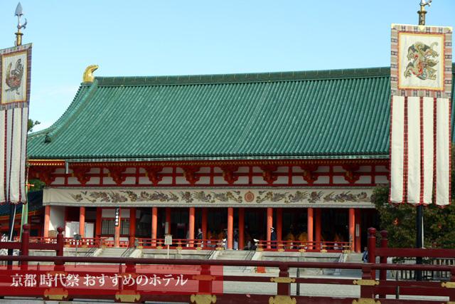 京都時代祭の朝の平安神宮
